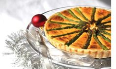This tasty asparagus tart is perfect for lunch or brunch. Using shortcrust pastry sheets, it's quick to make and the combination of the three cheeses - cream cheese, ricotta and parmesan - gives the tart a creamy yet complex flavour. Christmas Turkey, Thanksgiving, Asparagus Tart, A Food, Food And Drink, Shortcrust Pastry, Christmas Pudding, Christmas Breakfast, Roasted Turkey