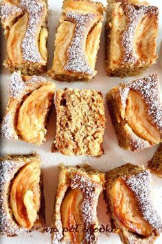 Wegańskie ciasto migdałowe z jabłkami i cynamonem bz cukru logo Gluten Free Recipes, Healthy Recipes, Sugar Free Sweets, Vegan Cake, Baked Goods, Granola, Clean Eating, Food And Drink, Cooking Recipes