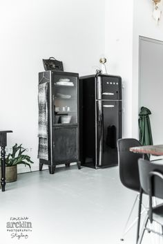 black smeg vestibulo pasillo refrigerateur smeg. Black Bedroom Furniture Sets. Home Design Ideas