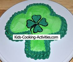 St Patricks Day recipes include Irish recipes, green food and just fun recipes Kids Cooking Activities, Work Activities, Irish Recipes, Fun Recipes, Greens Recipe, Cake Decorating, Decorating Ideas, Cooking With Kids, St Patricks Day