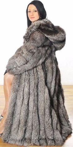 Fox Fur Coat, Fur Fashion, Furs, How To Wear, Jackets, Models, Beauty, Nice, Silver