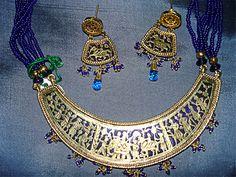 Antique Jewellery Designs, Antique Jewelry, Jewelry Design, Indian Embroidery Designs, Embroidery Suits Design, Kundan Jewellery Set, Fashion Jewelry, Gold Necklace, Bling