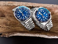 The growing Blue Dial trend of Seiko here are the Seiko Prospex Turtle SRPB11 and Samurai SRPB09 Blue Lagoon. Catch the calm before the storm. On Super Oyster watch bracelets [left] 22mm Super Oyst…