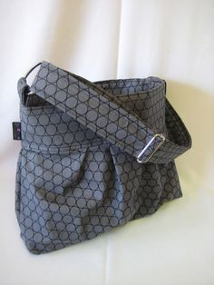 I like this messenger bag!