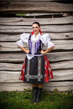 Zvodná Šarišanka v sexi krojovanej bielizni: Tej jednoducho neodoláte! Popular Costumes, Costumes For Women, Folk Costume, Costume Dress, European People, Ukraine, Costumes Around The World, Folk Clothing, Ethnic Outfits