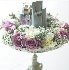 Wedding hantaran { love the vintage tray } by rozanarusman