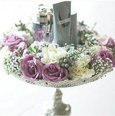 Wedding hantaran { love the vintage tray } by rozanarusman