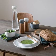 With the Hammershøi tableware, Kähler introduces glass as a material, which together with the ceramic and oak elements creates a complete Nordic look. Norway Design, How To Make Salad, Trends, Salad Bowls, Summer Salads, Scandinavian Style, Simple Designs, Home Crafts, Home Goods