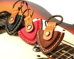 Personalized Guitar Pick case leather keyring , men keychain - Hand Stitched / Father's Day Valentine , Gift for him MXS