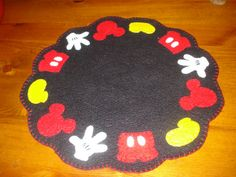 Your place to buy and sell all things handmade Disney Christmas Decorations, Christmas Trees For Kids, Christmas Signs Wood, Christmas Crafts For Gifts, Christmas Projects, Mickey Mouse Crafts, Mickey Mouse Christmas, Disney Crafts, Luau Party Crafts