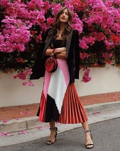 Proof Milan's Street Style Is the Best Place to Find Print Outfit Inspo – outfits Milan Street Style, Cool Street Fashion, Look Fashion, Autumn Fashion, Classy Fashion, Feminine Fashion Style, Street Chic, French Style Fashion, Paris Winter Fashion