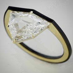 Fancy shape diamond, gold and ceramic ring. Love the neat, tidy design Contemporary Jewellery, Modern Jewelry, Luxury Jewelry, Jewelry Art, Gold Jewelry, Jewelry Rings, Jewelery, Jewelry Accessories, Fine Jewelry