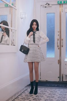 Bts Inspired Outfits, Tweed Dress, Son Luna, Aesthetic Clothes, Girl Boss, Pretty Outfits, Everyday Fashion, Cute Girls, Korean Fashion
