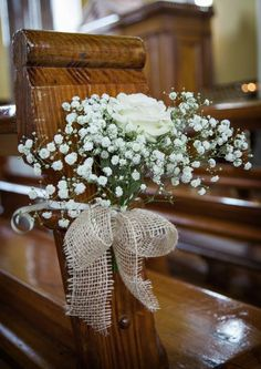 Classic, Chic and full of Charm - Real Wedding at Clonabreany House Klassisch, schick und voller Charme - Echte Hochzeit im Clonabreany House Church Wedding Flowers, Wedding Pews, Wedding Bouquets, Rustic Church Wedding, Wedding Table, Fall Wedding, Wedding Church Aisle, Wedding Cakes, Church Weddings