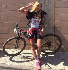 There is nothing quite so beautiful as a women with a bike. Cycling Girls, Cycling Wear, Cycling Outfit, Road Cycling, Cycling Clothes, Female Cyclist, Road Bike Women, Cycle Chic, Bicycle Girl