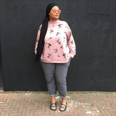 Sunday Outfit Sunday Outfits, Mode Plus, Graphic Sweatshirt, Sweatshirts, Sweaters, How To Wear, Clothes, Style, Fashion