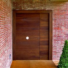 Puerta exterior Sant Cugat Double Front Doors, Modern Front Door, Entrance Doors, Garage Doors, Door Entryway, Main Door, House Doors, Interior Exterior, Studio Apartment