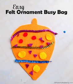 Another super simple busy bag today! Don't you just love super simple ideas that keep the kids busy!