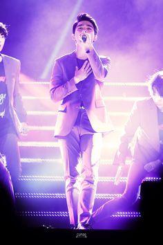 Kyungsoo looks like an Angel.... Think I just found my background photo