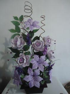Arranjo de flor em E.V.A R$70,00 acesse a pagina no facebook/Giarts contato:(67)9833-6511
