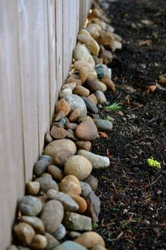 Garden fence decoration ideas to follow 9