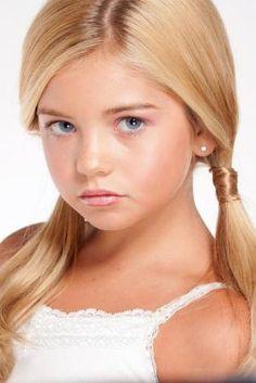 Chloe T | Child Model Magazine