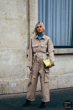 Paris Fashion Week Street Style Breaks All the Rules, So Outfits Just Got a Lot More Fun Turtleneck T Shirt, Black Turtleneck, Autumn Street Style, Street Chic, Paris Fashion, Autumn Fashion, Street Fashion, Women's Fashion, Fashion Trends