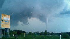 Dass es Tornados nicht nur in den USA gibt, ist spätestens seit dem Tornado in Bützow im Mai 2015 bekannt (Bild). Damals wurden etwa 30 Menschen verletzt, die Schadenssumme belief sich auf einen zw…