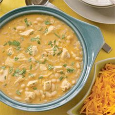 White Chipotle Chicken Chili This spicy chicken chili is a little lighter than usual, but it's still hearty and comforting. Chili Recipes, Crockpot Recipes, Soup Recipes, Chicken Recipes, Cooking Recipes, Healthy Recipes, Cooking Food, Delicious Recipes, Cooking Tips