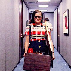 That Peggy Power Walking Hallway GIF & 11 Other 'Mad Men' Peggy Moments That Give Us Life | Bustle