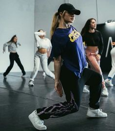 I am confident when I dance Dance It Out, Just Dance, Dance Outfits, Cool Outfits, Baile Hip Hop, 1million Dance Studio, Dance Convention, Dancer Photography, Dance Dreams