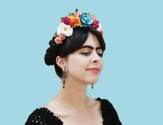 Frida Kahlo bunte Floral Headband Blume von BloomDesignStudio Black Headband, Diy Headband, Floral Headbands, Metal Headbands, Frida Costume, Mexican Costume, Diy Flower Crown, Floral Crown, Flower Crowns