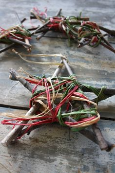 """Love these raffia-wrapped/weaved twig stars ("""",)"""