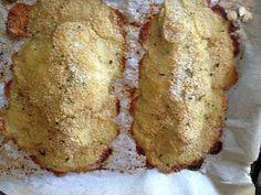 Altra ricettina di pesce.   Domenica scorsa è stato il maritino a chiedermela.  E' uscito, ha comprato una bella orata grossa e le patate...