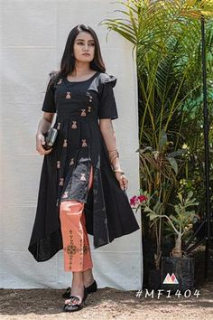 Stylish Khadi Black Kurti With Fancy Pant Suit Fashion, Fashion Pants, Fashion Dresses, Black Kurti, Designer Kurtis Online, Latest Kurti, Ankle Length Pants, Collar Styles, Indian Ethnic Wear