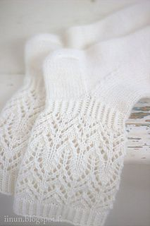 Beautiful and delicate lace pattern makes these socks wonderfully romantic!