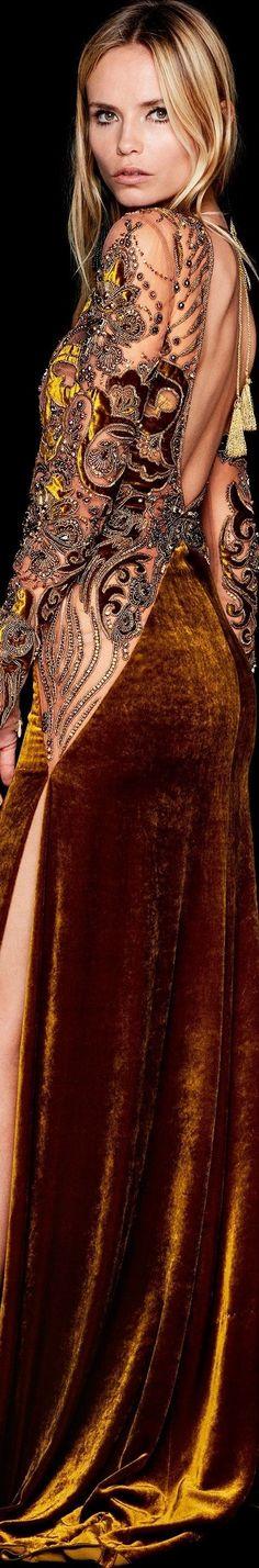 Gold Fashion, High Fashion, Autumn Fashion, Fashion 2018, Glamour, Open Back Dresses, Suits For Women, Couture Fashion, Evening Dresses