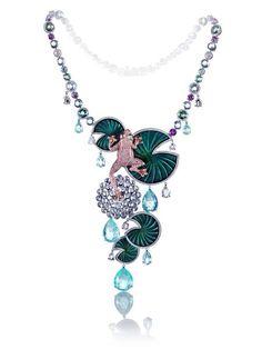 Колье от #Chopard с бриллиантами, турмалинами параиба, аквамаринами, зелеными турмалинами и сапфирами.