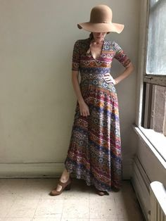 I love the hat with this dress <3 Agnes & Dora's Austen dress - with floral, modern, and vintage prints to keep you on trend.