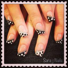 Acrylic Nail Design Polka Dots #DIYNailDesigns