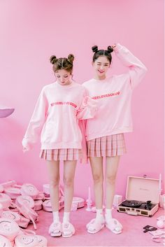 CHUU Estherloveschuu Red Logo Pullover – Somethin' Sweet