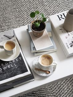 The best places to buy simple, stylish rugs for less than Barista Coffee Machine, Miele Coffee Machine, Home Coffee Machines, 2 Coffee Tables, Coffee Table Styling, Coffee Corner, Coffee Mugs, Black Rock Coffee, Coffee Withdrawal