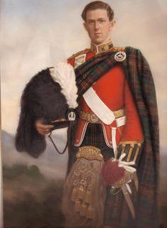 highland full dress  Cameron Highlanders
