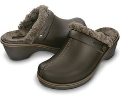 A rugged twist on our classic lined clog, the Cobbler Lined Women has a buffed upper for a suede-like finish and decorative leather detailing. Fully lined with microfiber, you get the ultimate step-in comfort you've come to know and love from Crocs.  Free shipping on qualifying orders. Great customer service. Order today.
