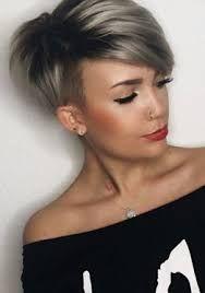 Resultado de imagem para cabelo curto Short Sassy Hair, Short Hair Cuts, Short Hair Styles, Natural Hair Styles, Pixie Cuts, Hair Color And Cut, Haircut And Color, Cute Haircuts, Hair Inspo