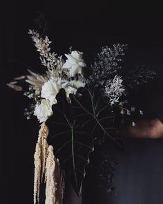 Floral Wedding, Wedding Bouquets, Wedding Flowers, Dried Flower Arrangements, Dried Flowers, Garden Styles, Beautiful Gardens, Flower Designs, Wedding Inspiration