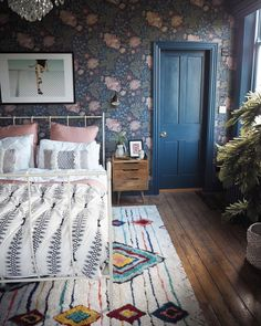 A beautiful Teen Girl Bedrooms for beautiful room arrangement, reference 7856297391 Modern Rugs Uk, Chimney Breast, Budget Home Decorating, Home Improvement Loans, Teen Girl Bedrooms, Girl Rooms, Elegant Homes, Online Home Decor Stores, Home Interior