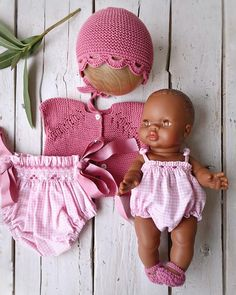 Después de unos dias de desconexión volvemos, seguimos preparándonos para el calorcito. Os gusta?? • • • #hechoamano #pelotedelainebb… Bitty Baby, Foto E Video, Smocking, American Girl, Baby Dolls, Doll Clothes, Barbie, Instagram, Crochet Hats
