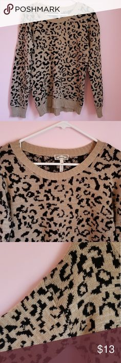 Kirra Women's XS Leopard Print Sweater Like new. Kirra brand. XS but will fit up to a small/medium. Made in USA. 100% ACRYLIC Kirra Sweaters
