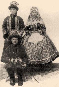 Borovszky - Magyarország vármegyéi és városai Art Costume, Folk Costume, Costumes, Folk Clothing, Folk Dance, The Shepherd, My Heritage, Old Photos, Folk Art